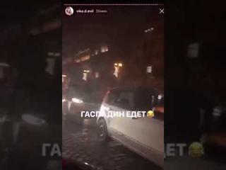 Украинка возмущена проездом кортежа Зеленского