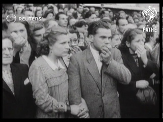 Mourners at funeral of President Benes of Czechoslovakia (1948)