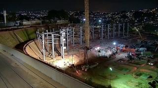 Arena MRV 5/5 à noite Concreto nas Bases/ terraplenagem no final do córrego! 02/02/2021