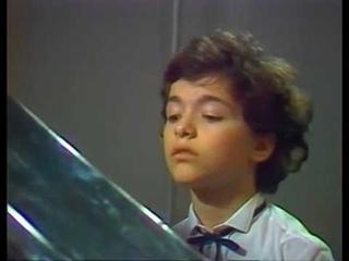 Шопен. Концерт №1 для фортепиано с оркестром. Евгений Кисин (13 лет)