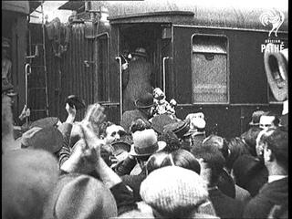 Spain ... A Republic! Alfonso  ... An Exile!! Aka Alphonso ... An Exile (1931)