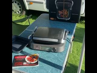 Гриль-духовка SteakMaster REDMOND RGM-M816P на природе