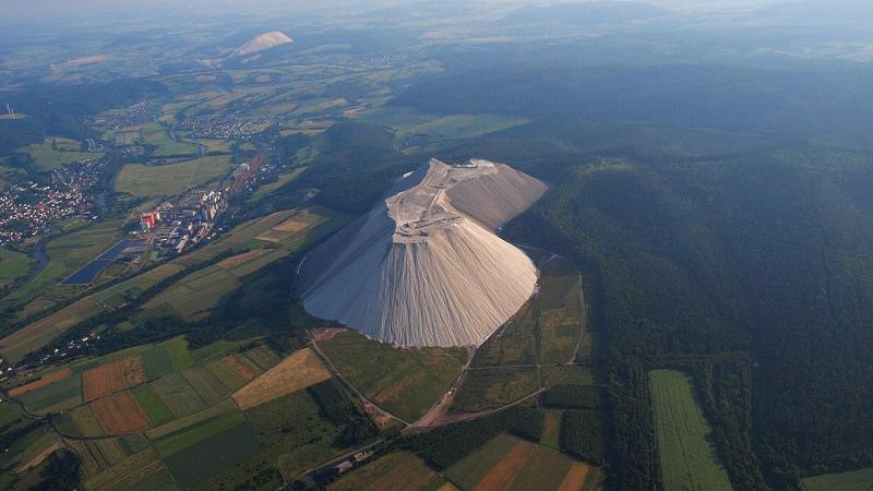 Земля один огромный древний карьер, изображение №80