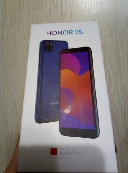 Ребёнок потерял телефон Honor 9s чёрный в чёрном ч...