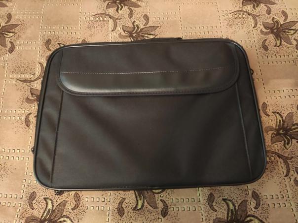 Новая сумка под ноутбук, диагональ 17.3