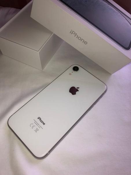iPhone XR 64 gb в белом цветеТелефон в отличном со...