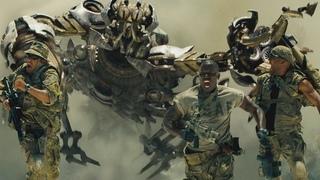 """Десептикон скорпион против военных - """"Трансформеры"""" отрывок из фильма"""